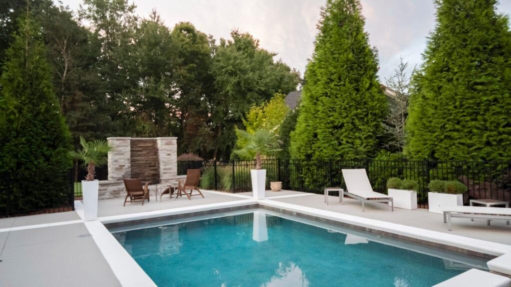 Alt : FH Piscines Sanary, Ollioules, Six-Fours-les-Plages construction de piscine, rénovation de piscines